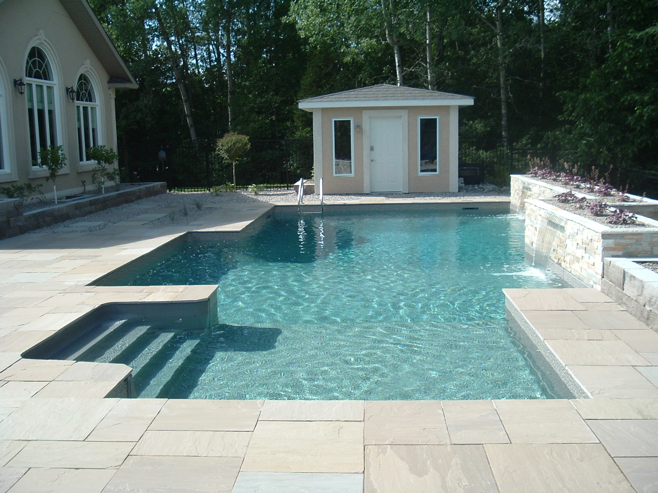 Vinyl inground swimming pools for ottawa homes poolarama for Vinyl swimming pool