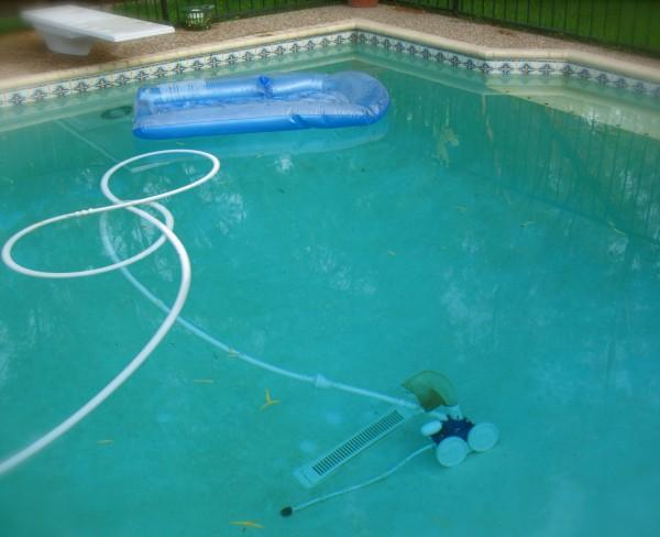 swimming pool repairs Ottawa