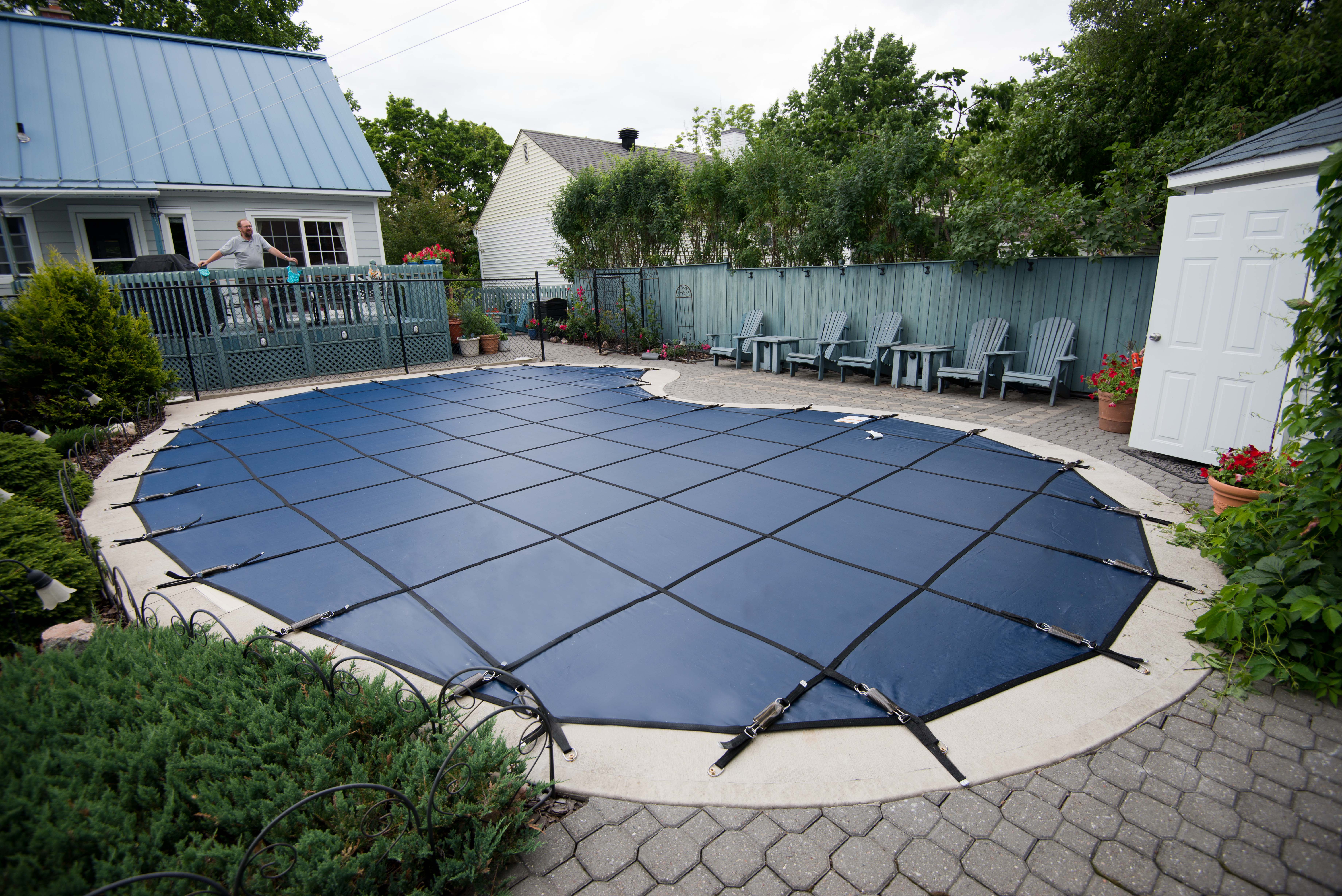 Swimming pool safety covers ottawa poolarama for Swimming pool safety covers inground