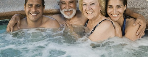 When choosing hot tubs, Ottawa residents should opt for self-cleaning models to save on time and effort.